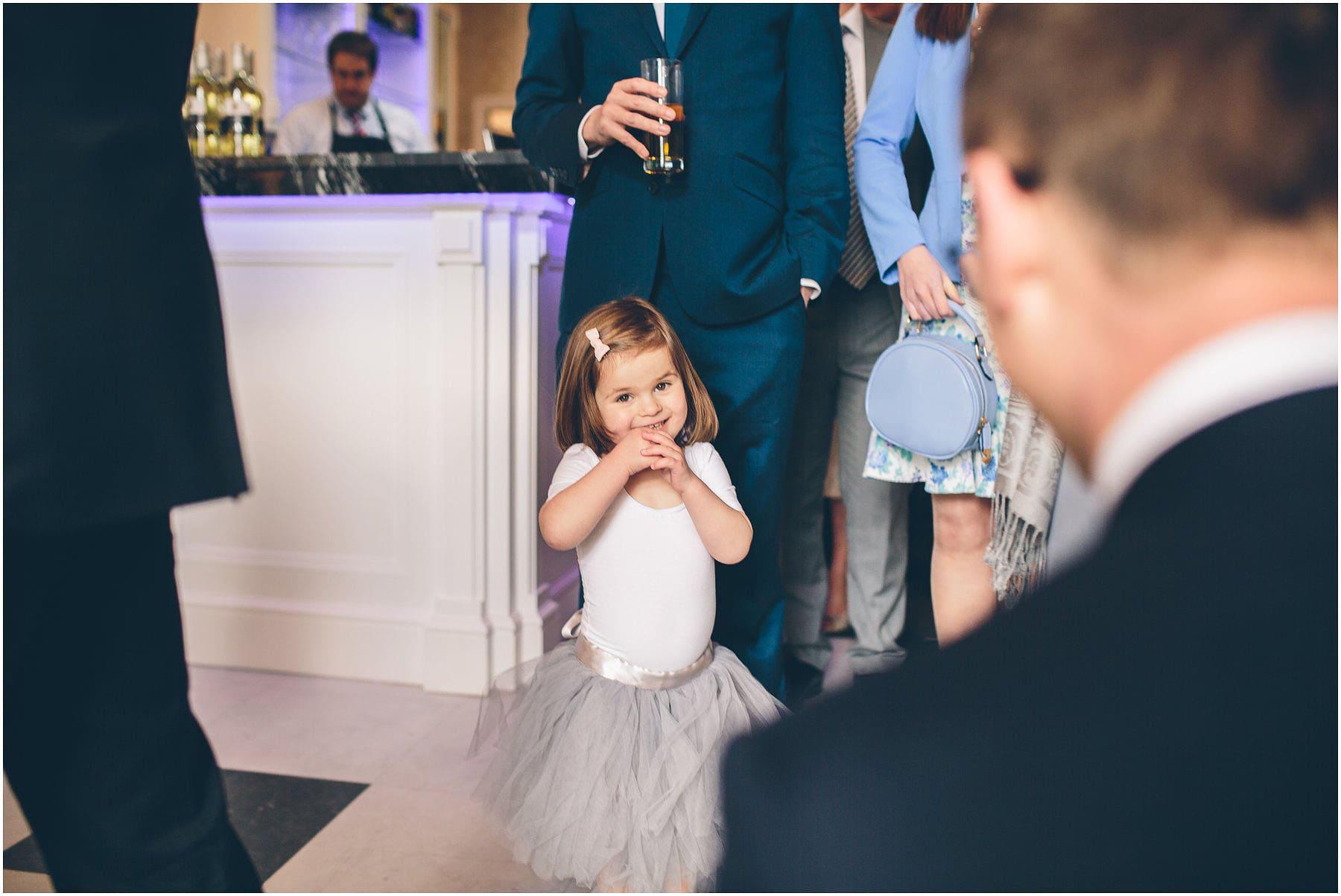 Capesthorne_Hall_Wedding_Photography_0108