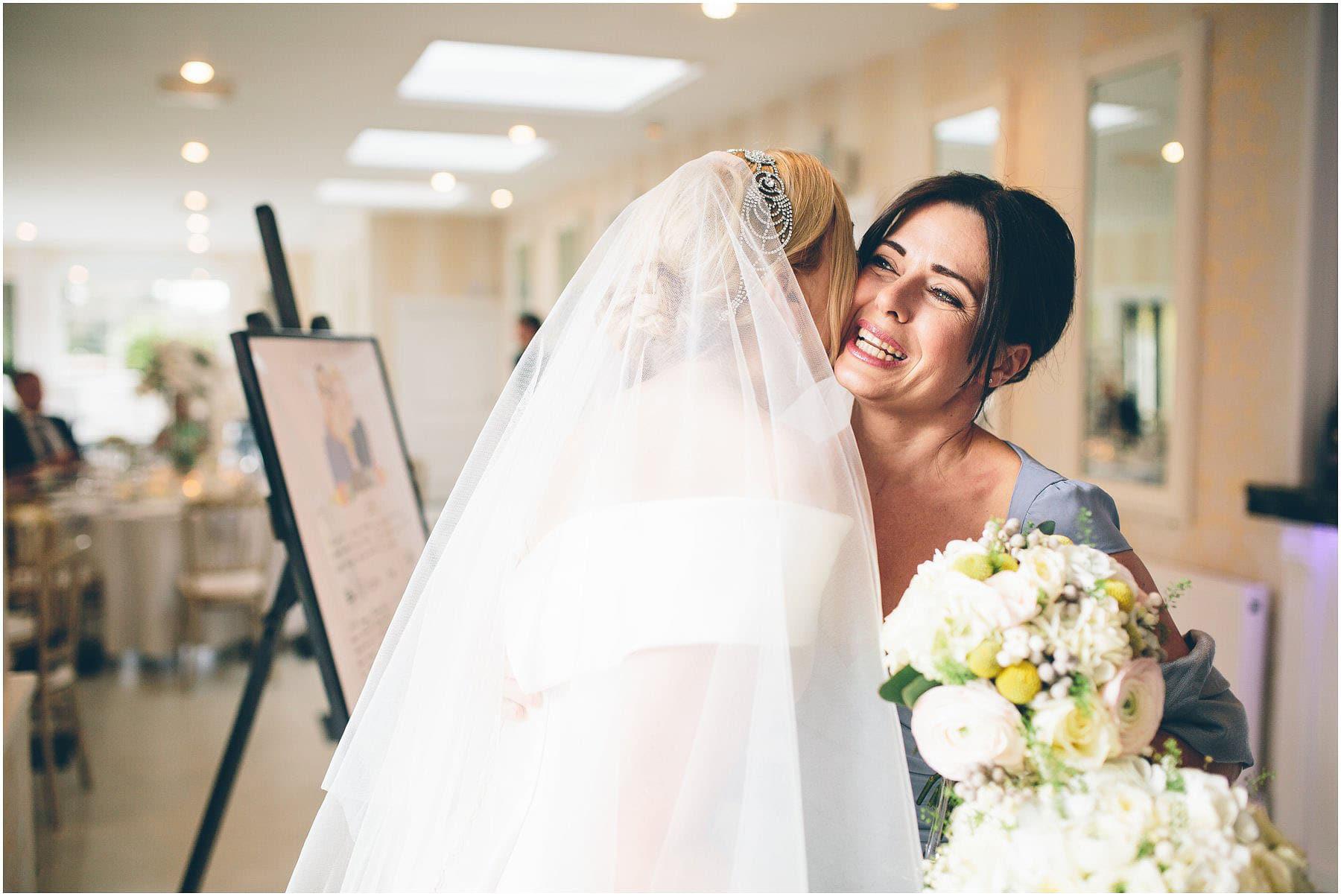 Capesthorne_Hall_Wedding_Photography_0109