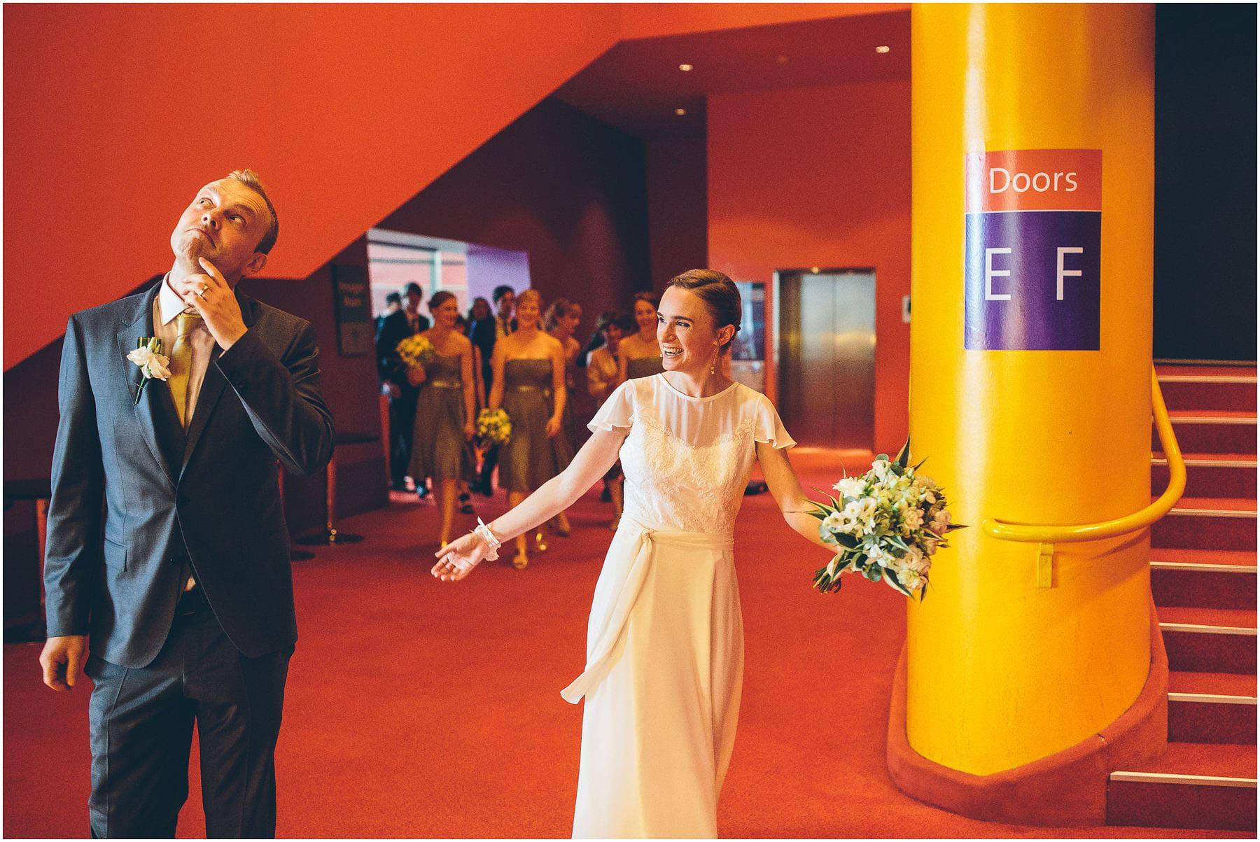 Lowry_Theatre_Wedding_Photography_0061