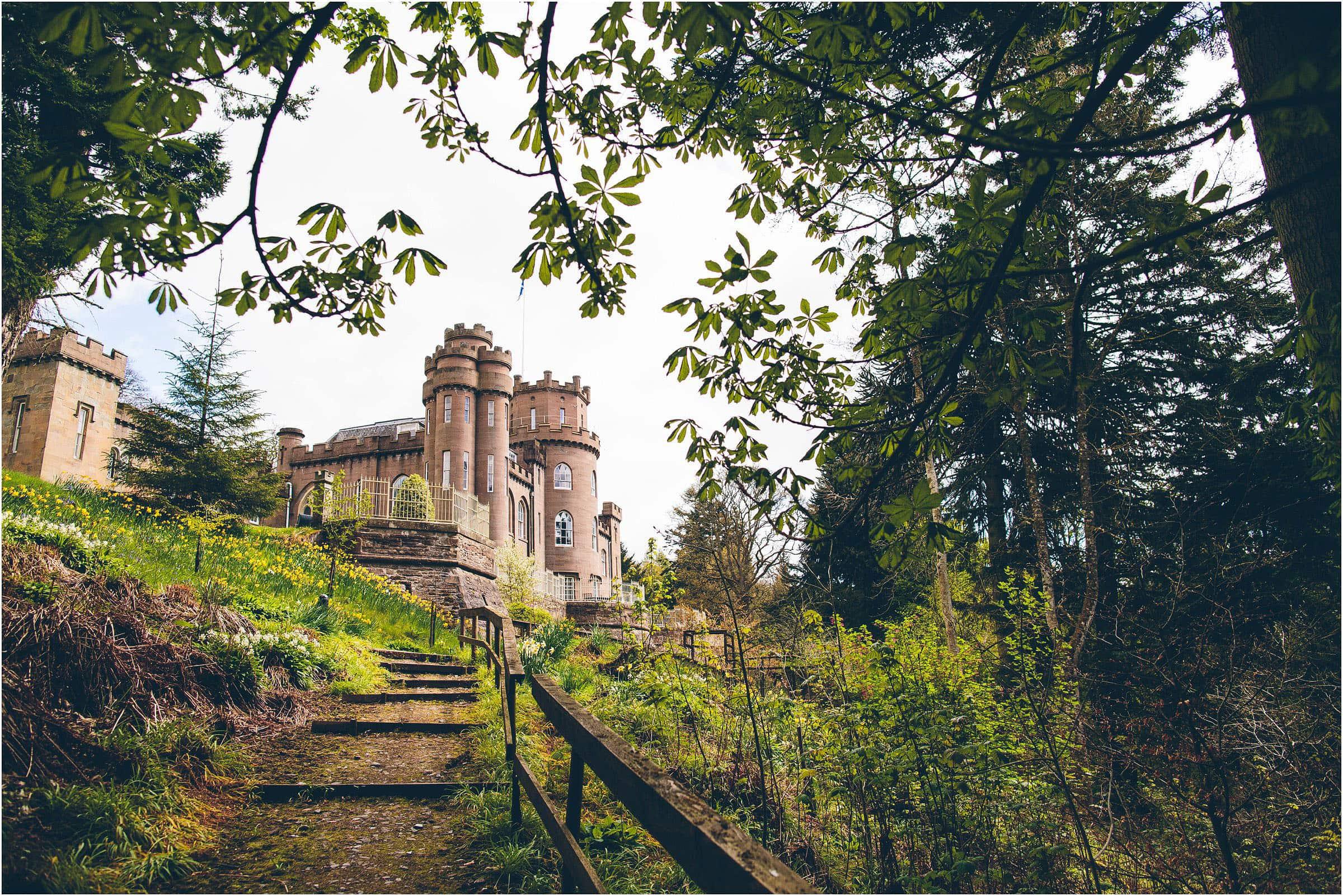 Drumtochty_Castle_Wedding_Photography_0001