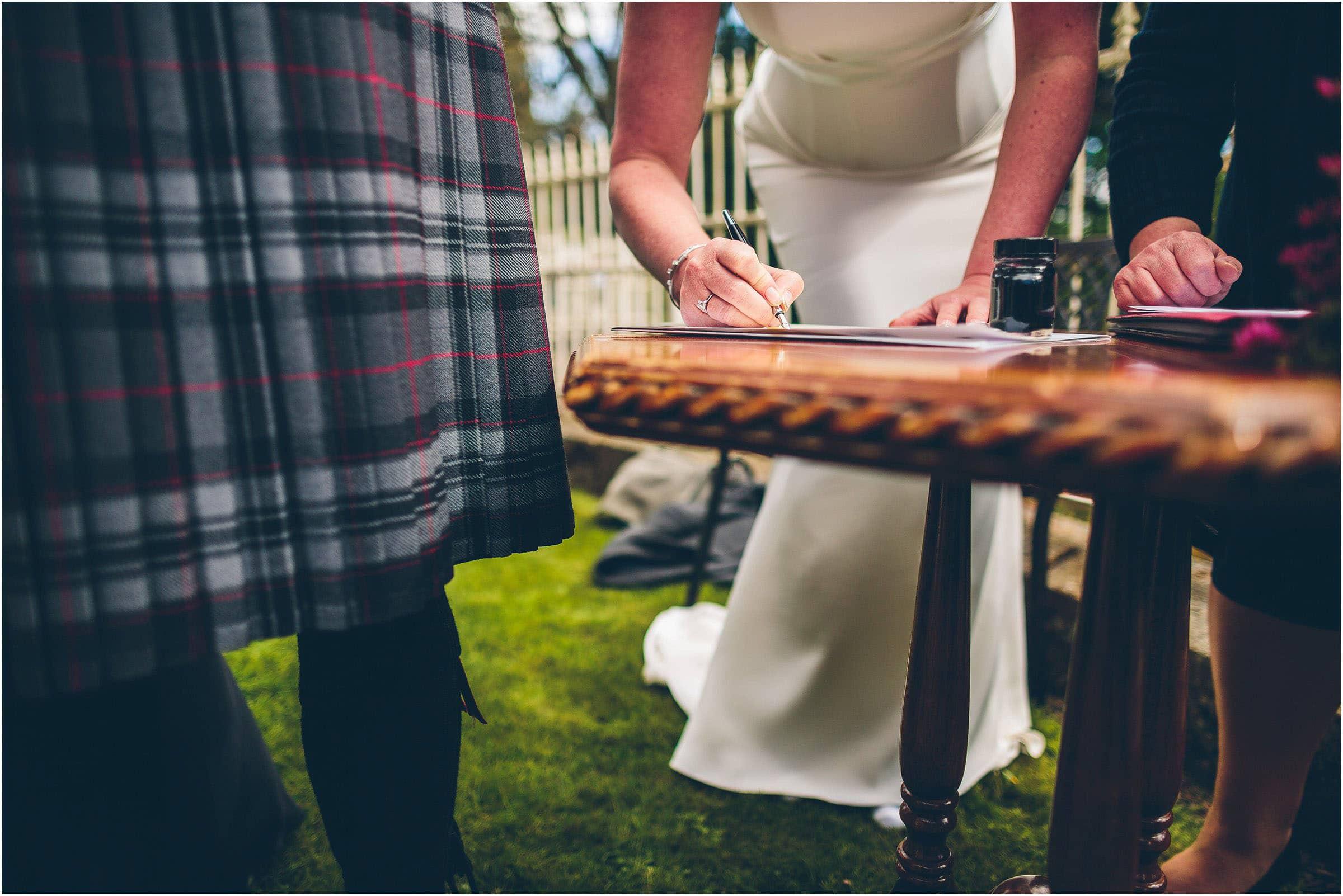 Drumtochty_Castle_Wedding_Photography_0037