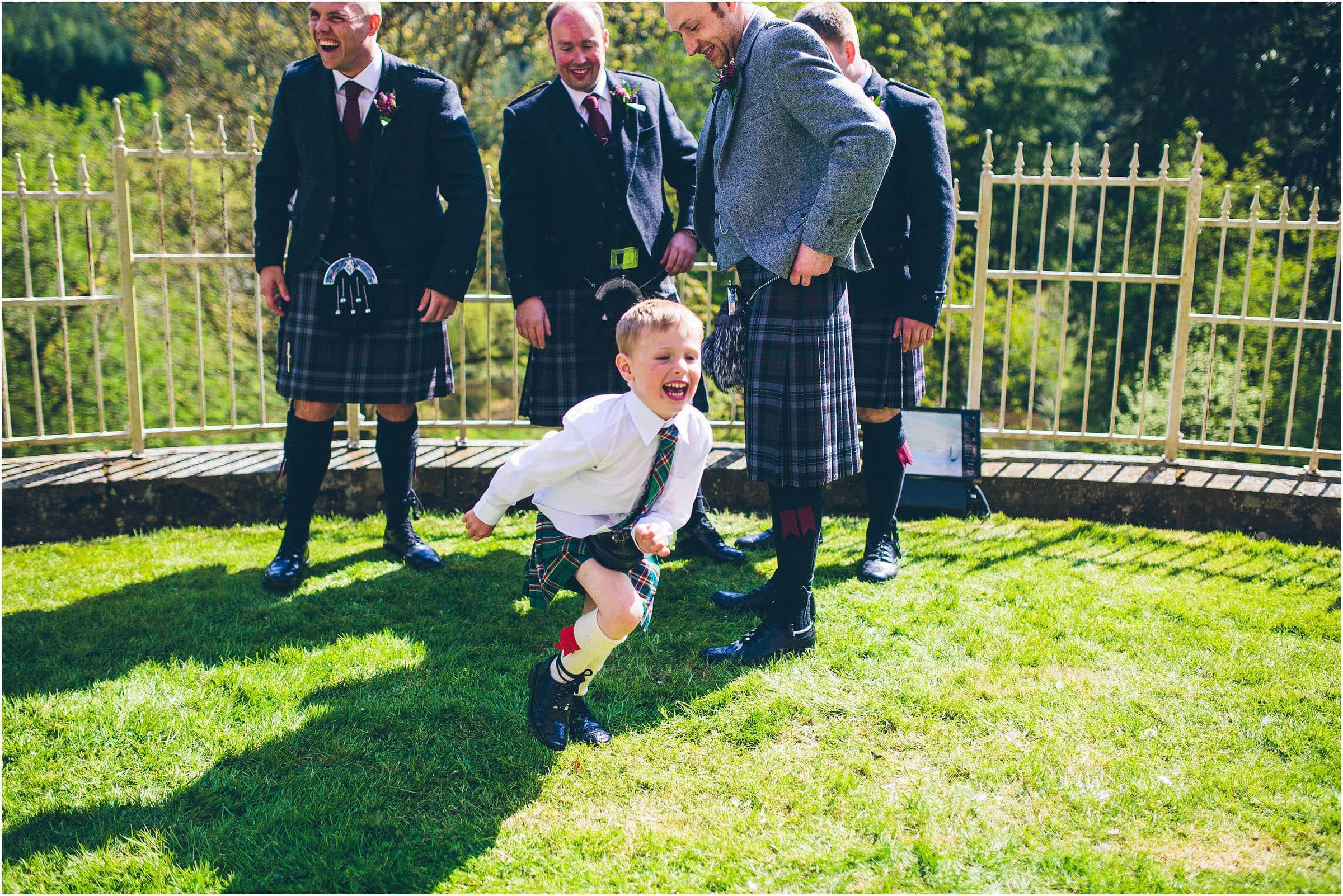 Drumtochty_Castle_Wedding_Photography_0049