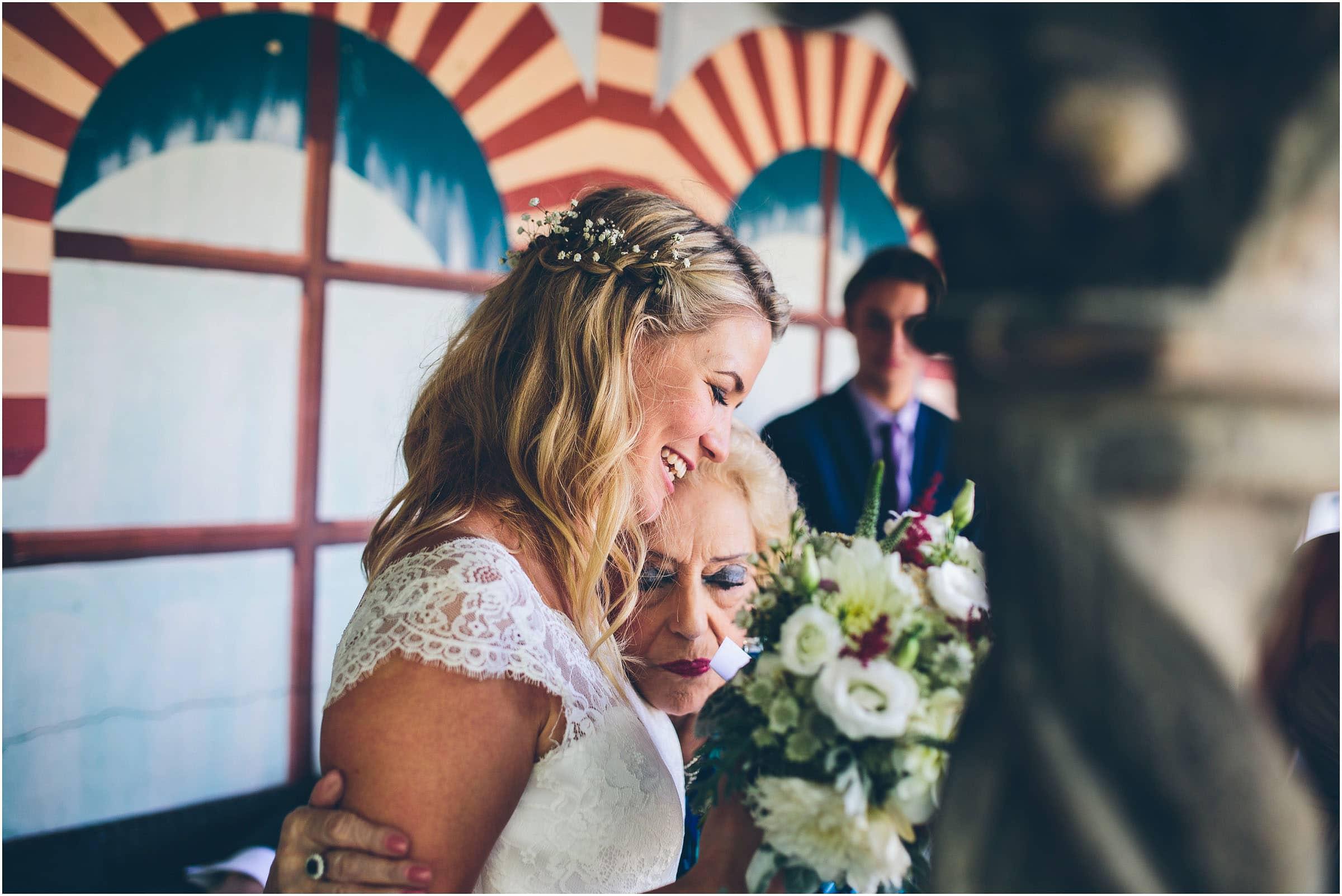 Kensington_Roof_Gardens_Wedding_Photography_0054
