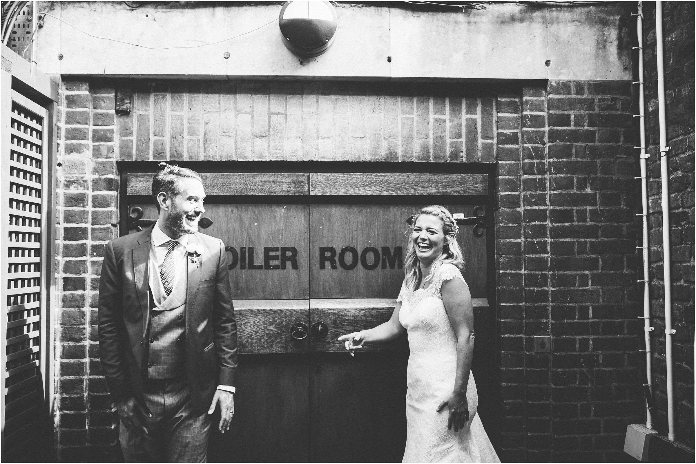 Kensington_Roof_Gardens_Wedding_Photography_0060
