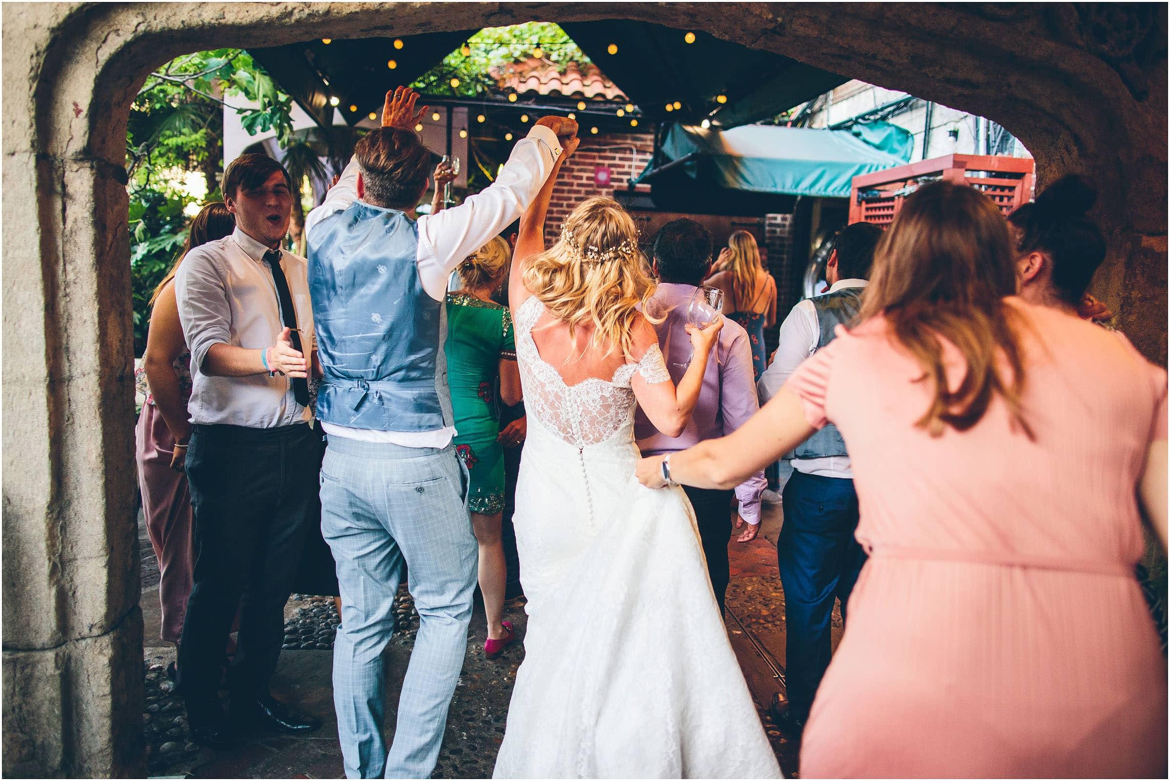 Kensington_Roof_Gardens_Wedding_Photography_0110