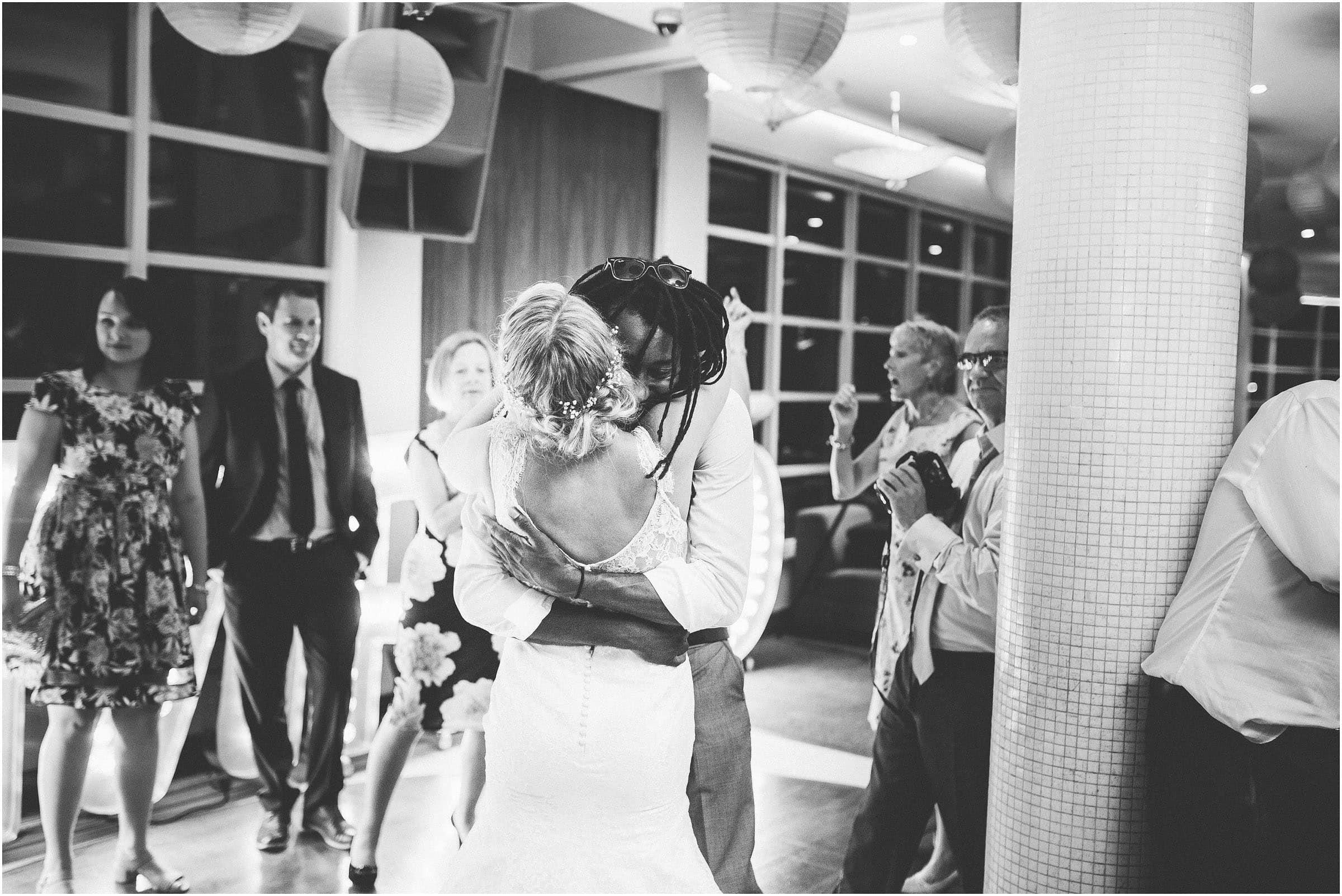 Kensington_Roof_Gardens_Wedding_Photography_0123