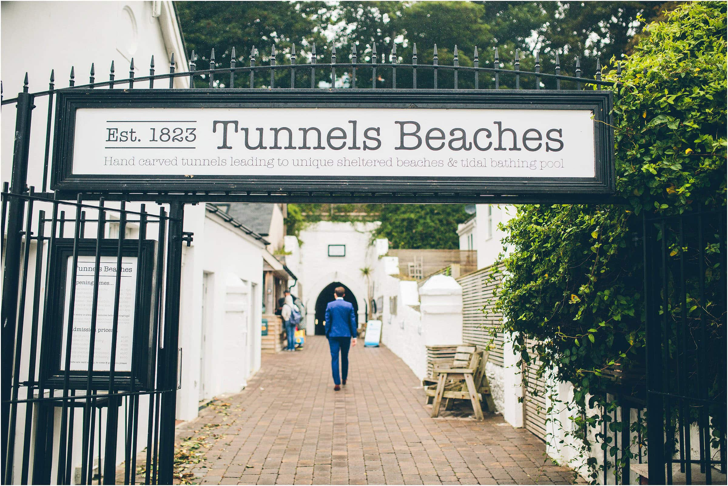 tunnels_beach_wedding_photography_0024