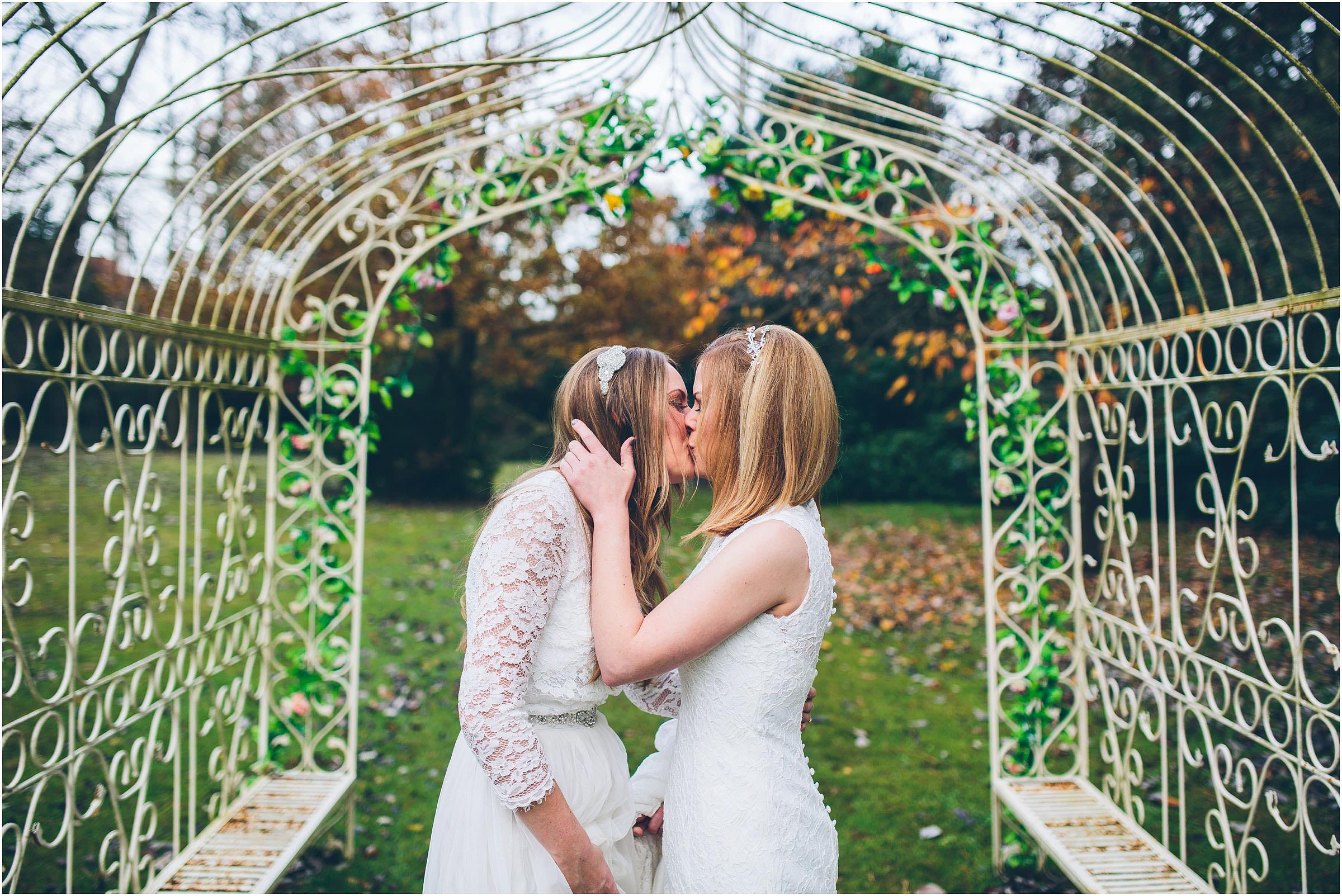 three_choirs_vineyard_wedding_photography_0017